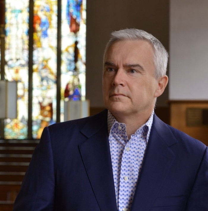 Huw Edwards 700AT