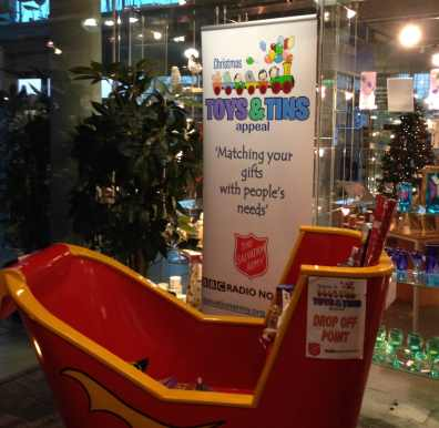 SA toys and tins 2014 sleigh C