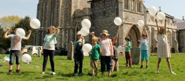 Aylsham church balloons 600CF