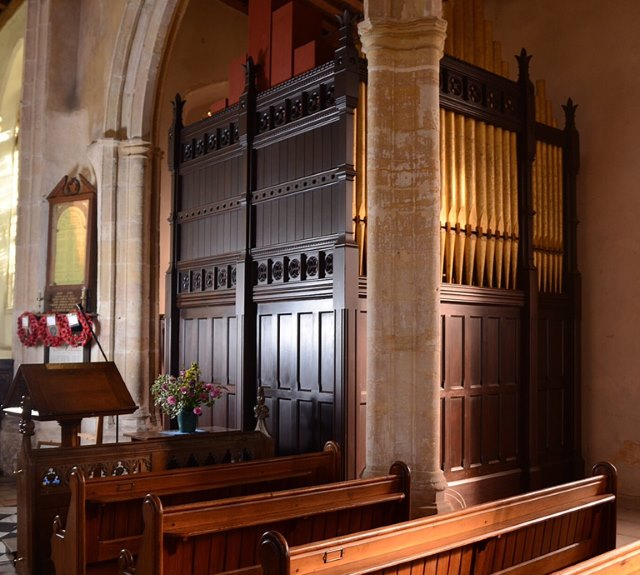 Upton church organ 640AT