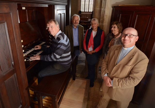 Upton organ group 640AT