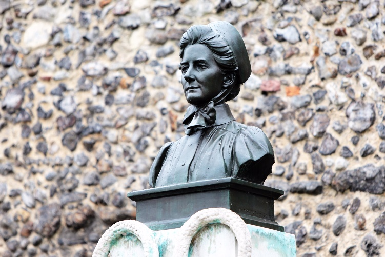Edith Cavell AT 750
