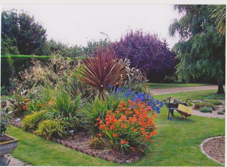 Potter Heigham garden 750CF